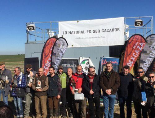 Gonzalo Cano repite como ganador del Campeonato de Altanería de Extremadura y Michael Buil se proclama campeón autonómico de la modalidad